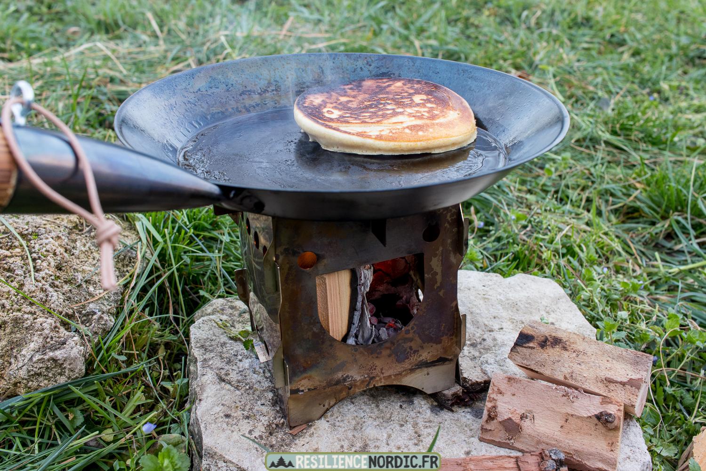 Poêle à frire pancake retourné