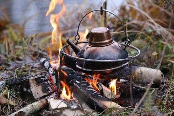 FinnRover - Support à feu pour poêle Kyyrö (petite) + bouilloire